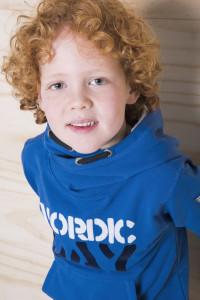 stoere sportieve jongens trui in blauw tinten